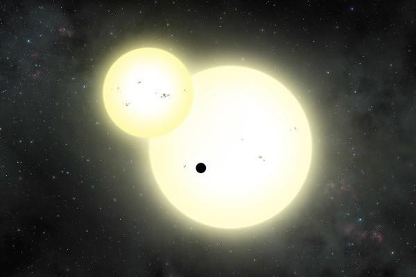 科學家發現環繞2個恆星運行的最大行星