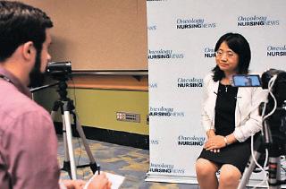 董宇紅醫學博士接受美國最大針對癌症患者的CURE雜誌專訪,介紹研究成果。(林沖/大紀元)
