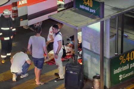 當地時間28日晚,土耳其伊斯坦布爾阿塔圖克國際機場發生3起自殺式爆炸。(AFP/Getty Images)