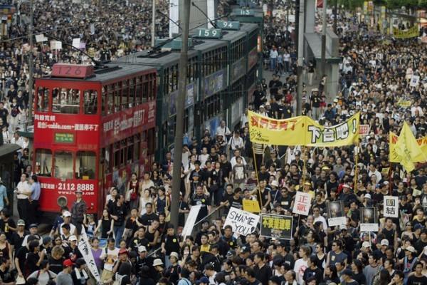 組圖:重溫歷年香港七一遊行