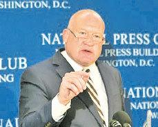 中國問題專家兼調查記者伊森‧葛特曼。
