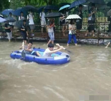 長江沿岸多城被淹 蘇皖河流超警戒 百人死