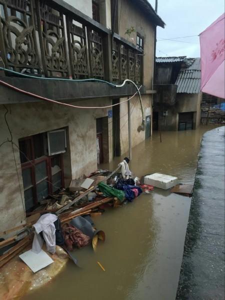 安徽災情嚴重,民眾紛紛呼籲外界與政府給予安徽更多的關注。(網絡圖片)