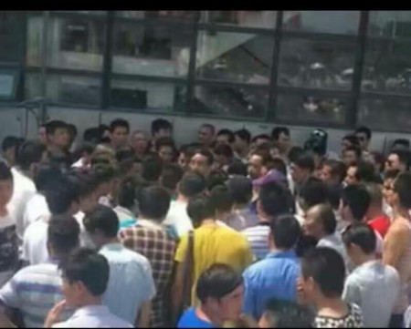 7月8日,安徽馬鞍山市博望區數百災民遊行示威,抗議政府官員公開隱瞞災情。(網絡圖片)