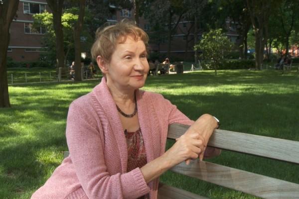 2003年秋,畫家芭芭拉‧捨費爾從7米高的工作台摔到地上,多處重傷,幾個月後卻比出事前還健康,她說是學煉法輪功讓她神奇康復。(Photo by Oliver Trey)