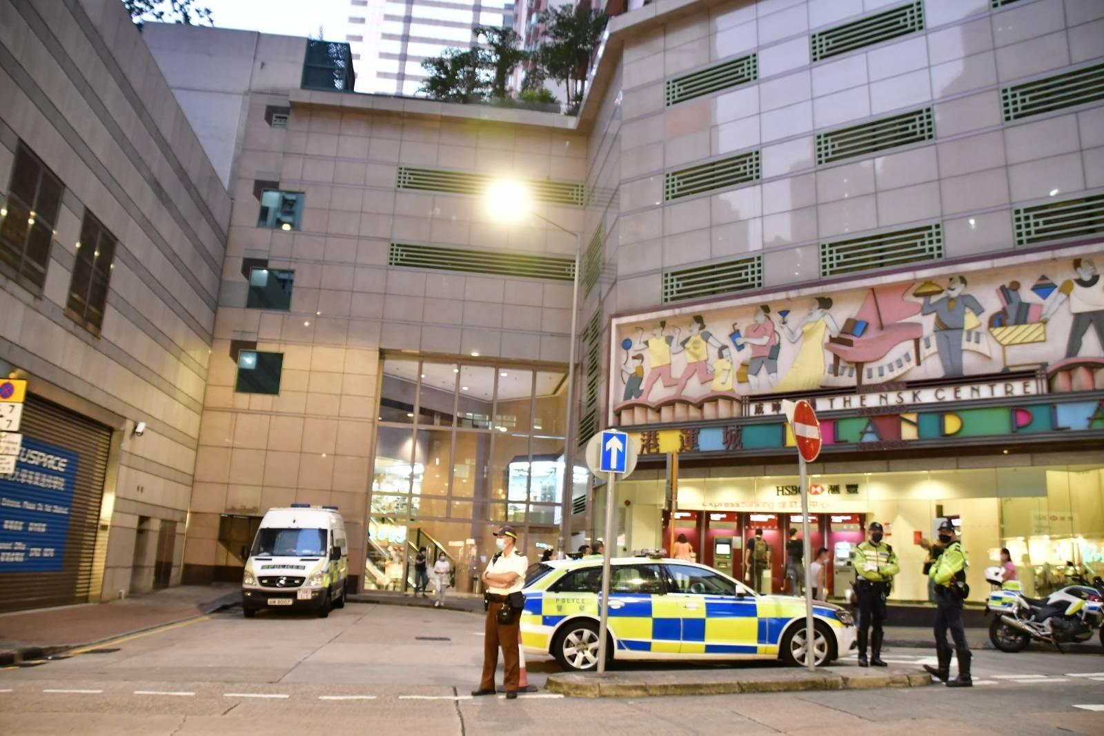 【突發】印度男返港確診 北角丹拿道港運城二座 今晚封區強檢