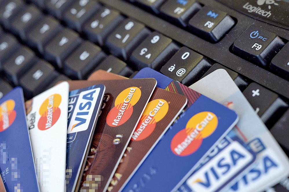 廢鈔後 印度信用卡等支付增25%