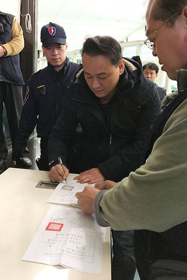中共遙控黑幫施暴 台北市警方大掃蕩