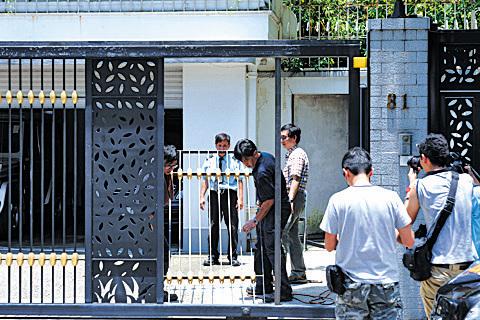 黎智英宅大門被毀兇徒無蹤   (大紀元資料圖片)