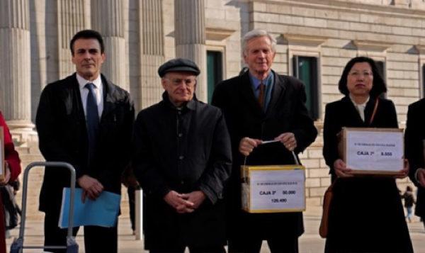 西班牙廿五萬個「反活摘器官」簽名呈交國會