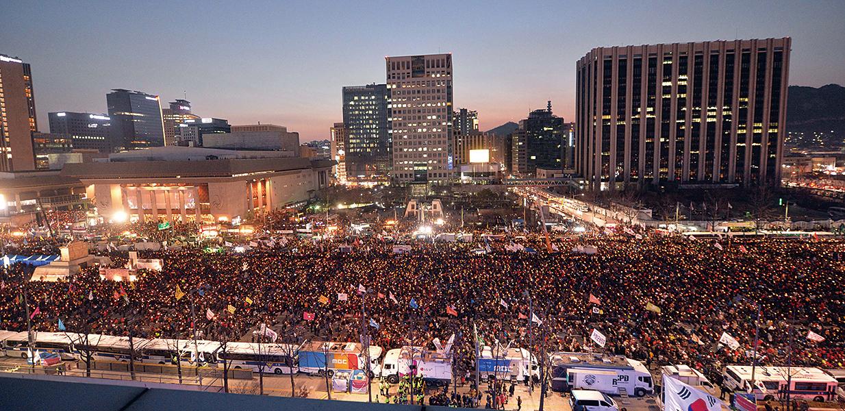 彈劾宣判迫近 韓民眾舉辦今年最大規模示威