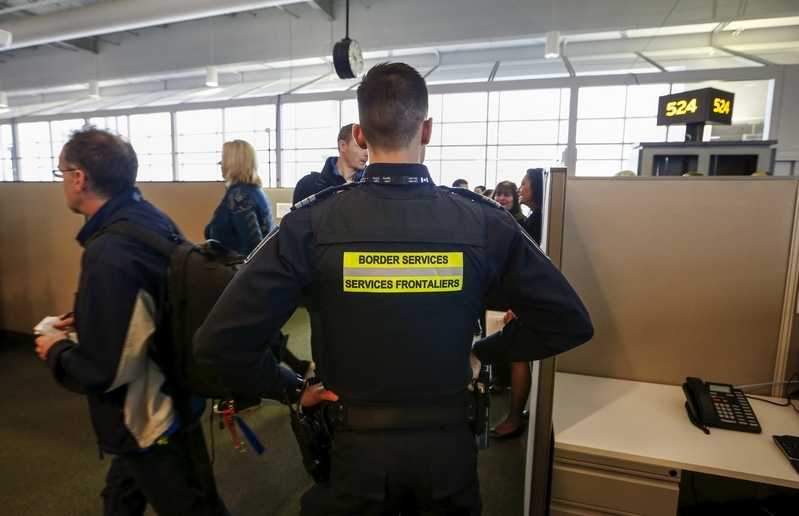 美加邊境官員查手機 華裔旅行者稱無奈