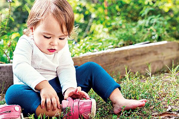 孩子在專心做事時盡量不要打斷孩子。