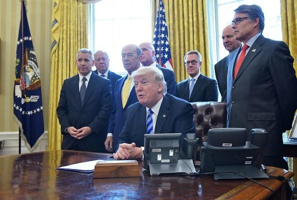美加輸油管項目正式獲批 特朗普獲讚重塑信任