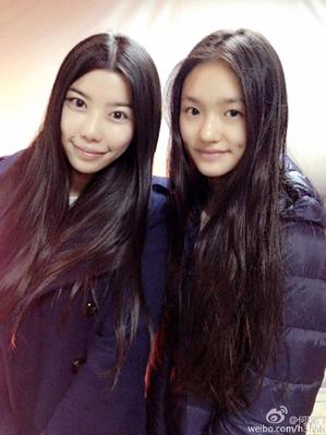 何灝浩(左)和林允。(何灝浩微博)