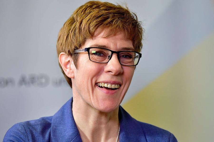 德國超級選舉年初試牛刀 小默克爾大贏