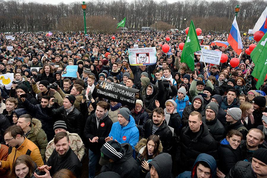 俄全國大規模反腐示威數百人被捕 華府譴責