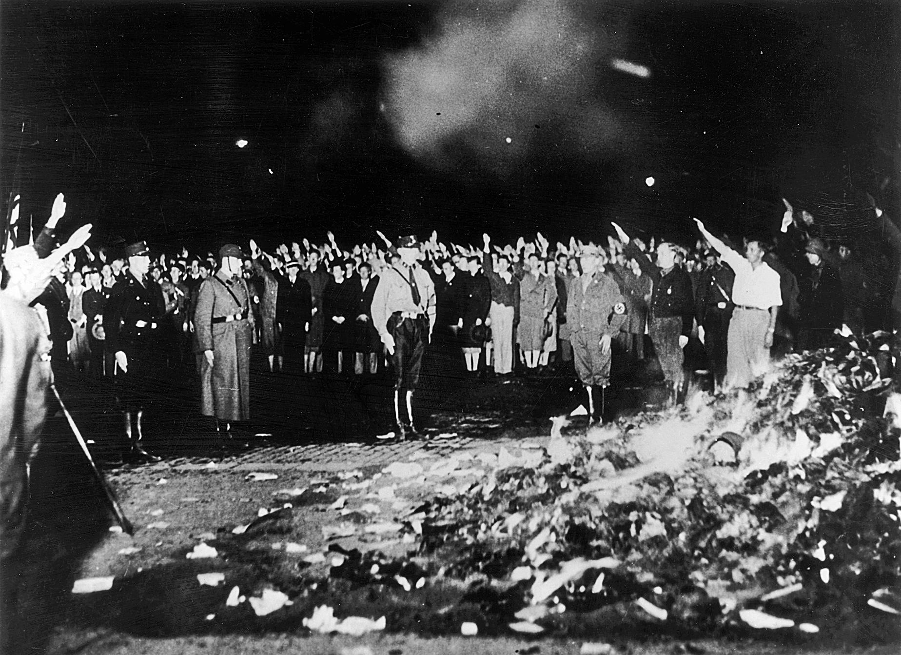 從納粹和蘇共到中共之大規模焚書