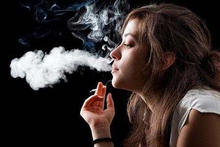 吸煙有害頸椎間盤健康 可致慢性疼痛