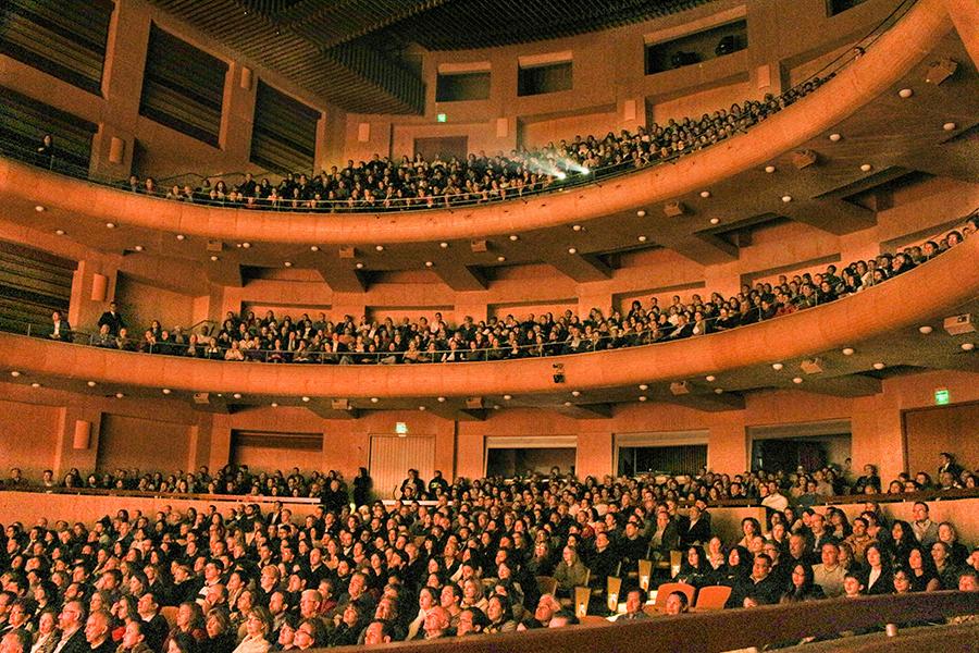 神韻波哥大周六兩場爆滿 「世界需要神韻」