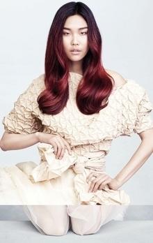 近年來亞洲市場十分流行紅髮色調。(AVEDA肯夢)