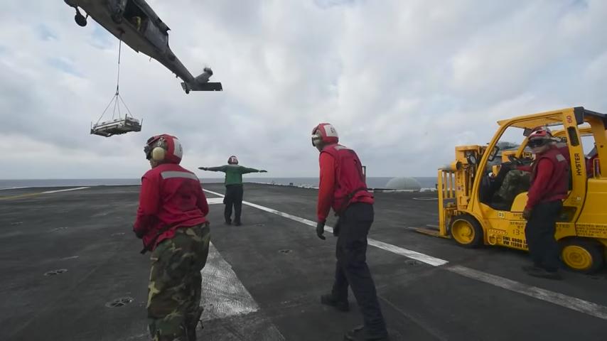 卡爾文森號補給彈藥 接令兩小時即可襲朝