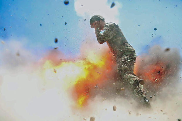 攝影女兵被炸死 美軍公開其爆炸瞬間遺作