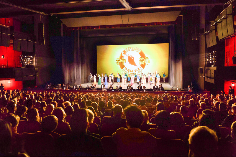 柏林主流讚:神韻讓人渴望回歸神聖的世界