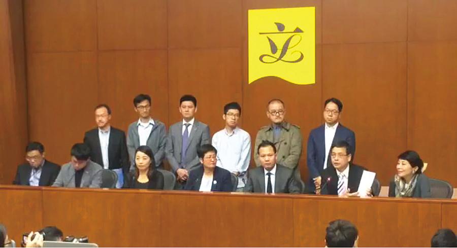梁振英涉干預UGL委員會調查