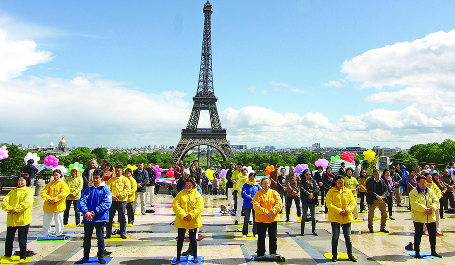 法輪大法在法國 洪傳22載紀實