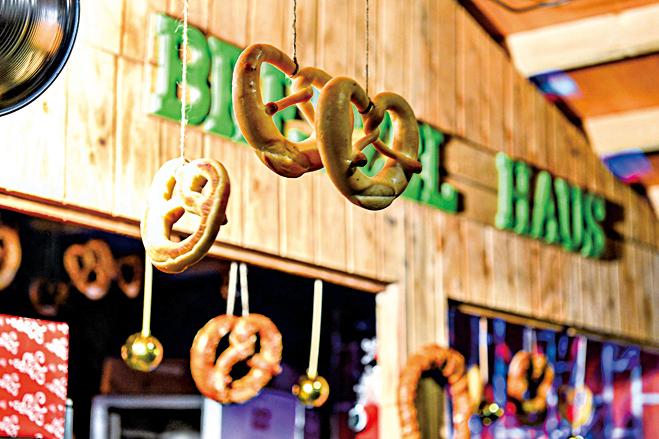 椒鹽餅乾是傳統的德國食品,聖誕市場裏的椒鹽餅乾有多種口味。