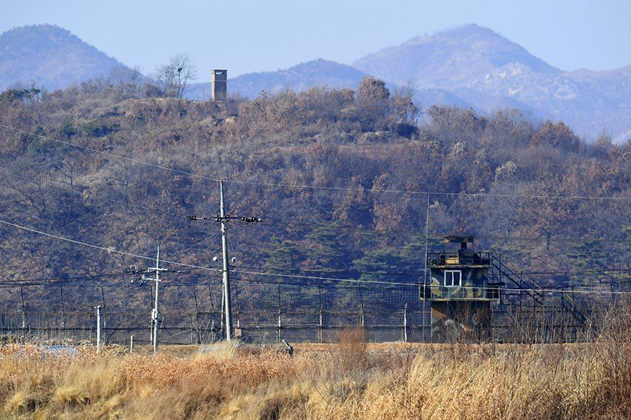 越過戒備森嚴三八線 一北韓士兵逃到南韓