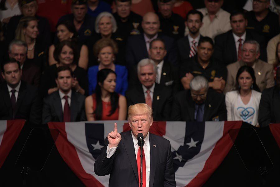 美政治家:暗深勢力有陰謀 特朗普形勢嚴峻