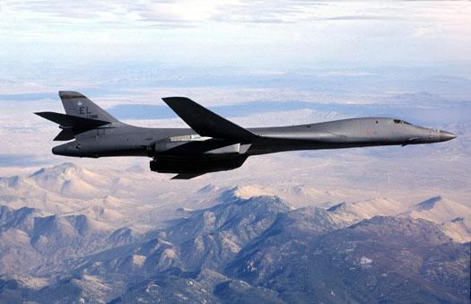 特朗普回應美大學生離世 兩轟炸機飛抵朝鮮半島