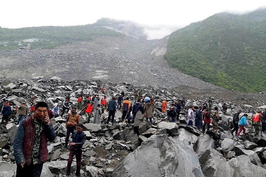四川山體垮塌持續約百秒 多少人被埋?