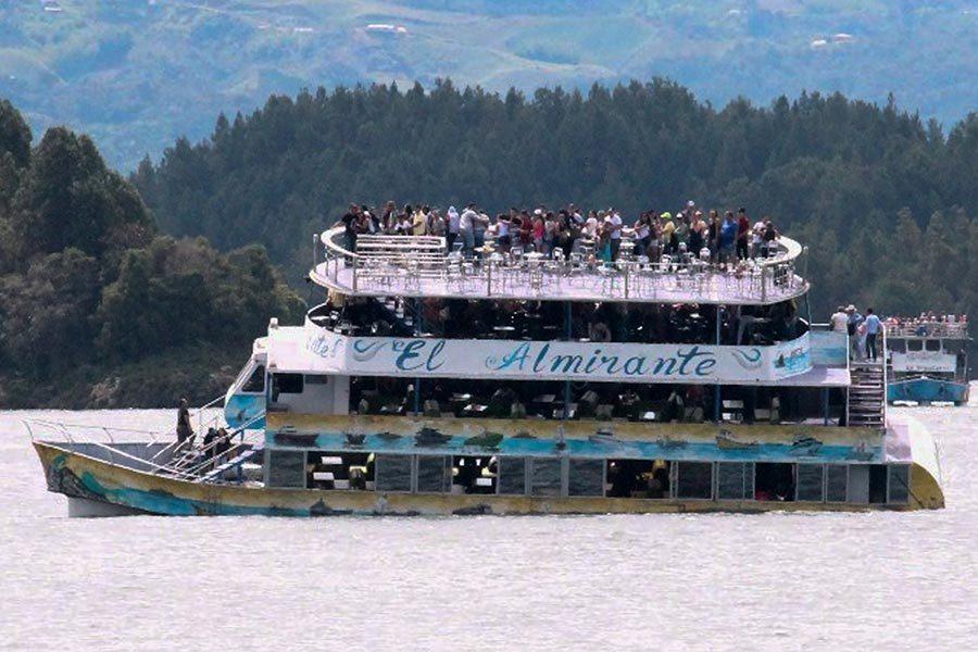 哥倫比亞150人觀光船沉沒 至少9死28失蹤