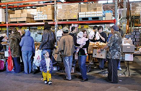 特朗普鼓勵就業 領食品券人數驟減