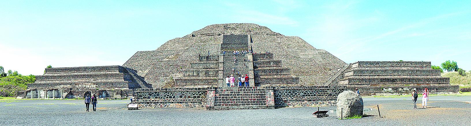 月亮金字塔下發現神祕隧道