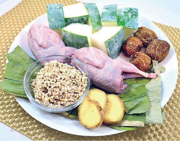 冬瓜荷葉 薏米鵪鶉湯