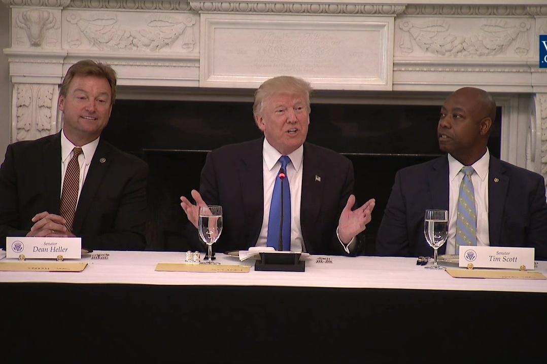 特朗普午餐會上再指:奧巴馬健保完全是謊言