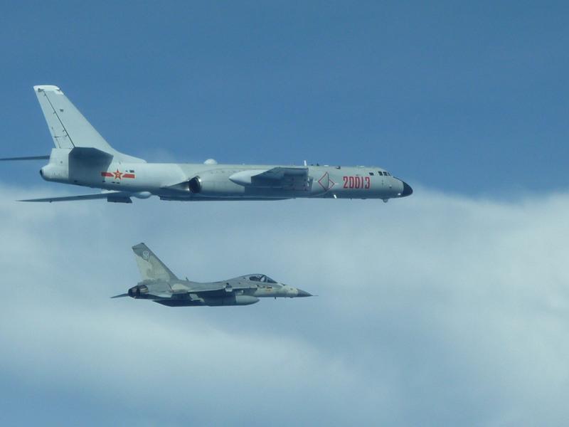 中共戰機飛越巴士海峽 台國防部證實四架繞台