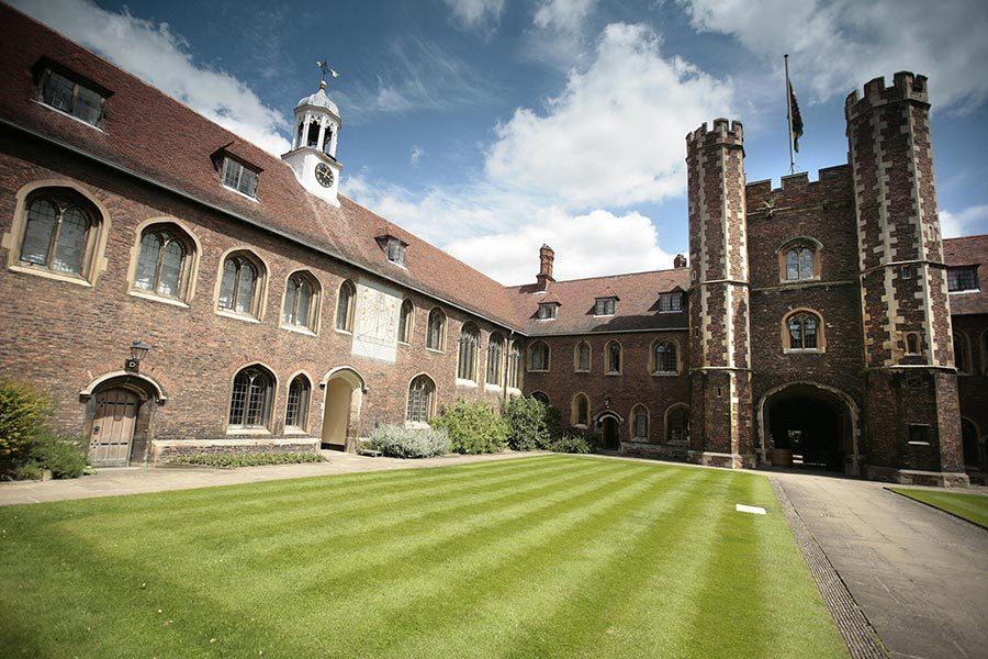 劍橋大學向中共屈膝 西方學者群情激憤