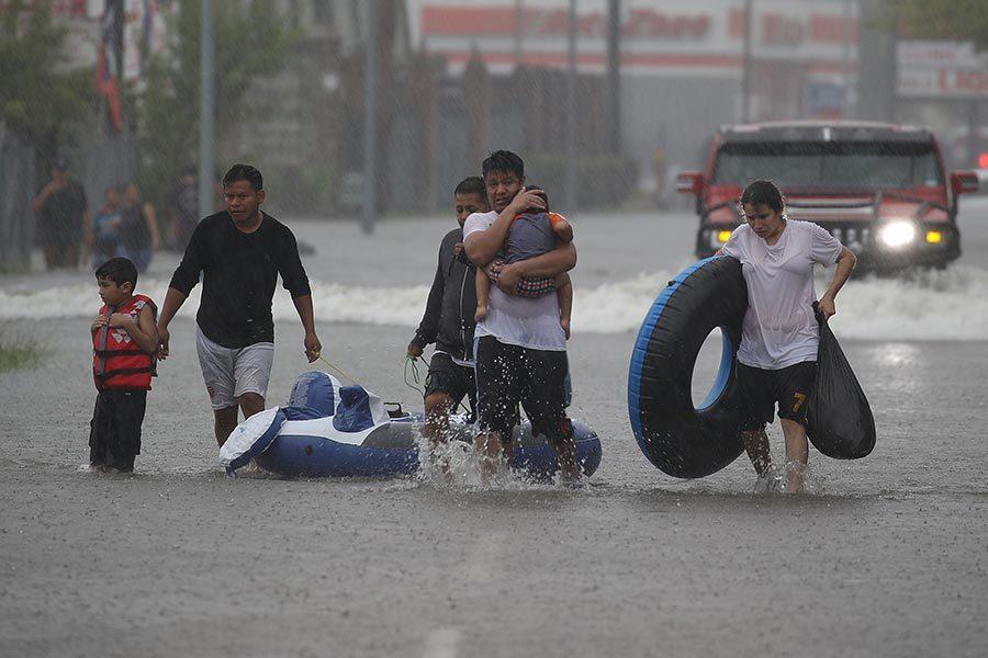 【哈維肆虐】侯斯頓洪水史無前例 華人網上求救