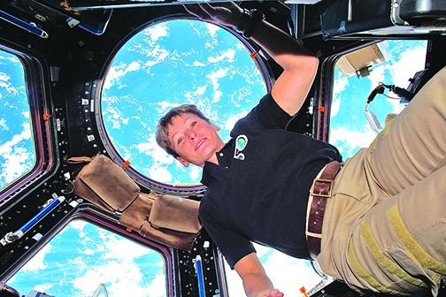 女太空人重返地球 置身太空665天破記錄