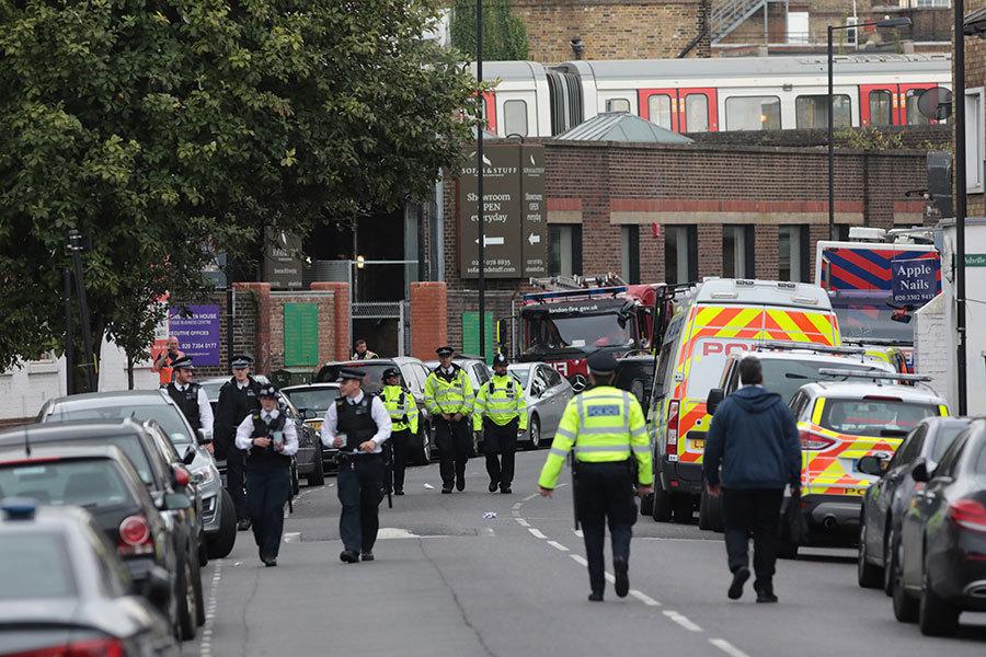 倫敦恐襲兩疑犯被捕 疑犯養父曾獲英女皇褒獎
