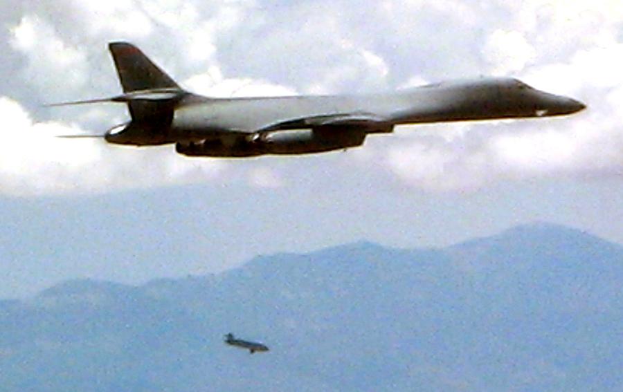 北韓無法探測美戰機 惱羞成怒加強巡邏