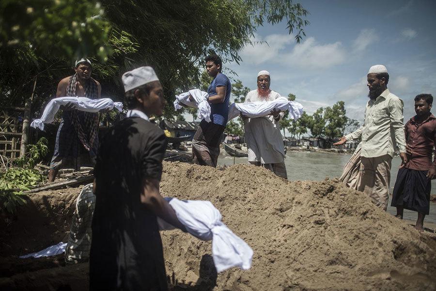洛興雅難民船隻翻覆 至少12死數十失蹤