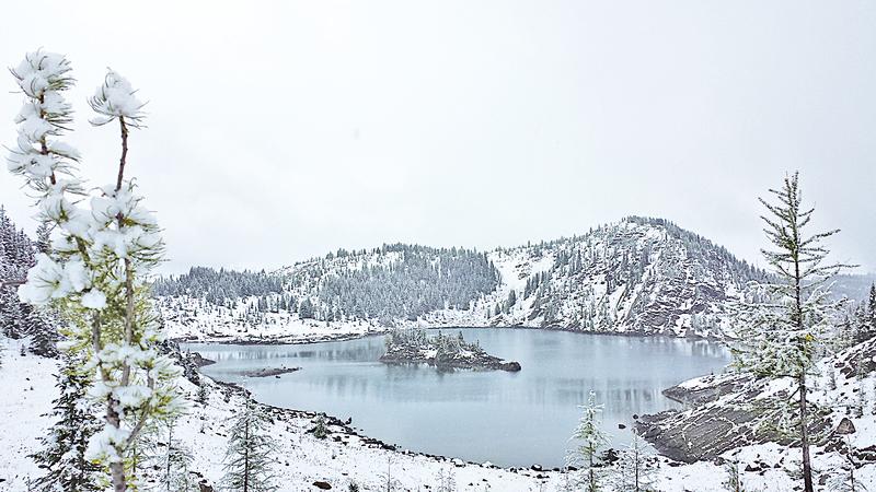 石島湖在山中已經存在了幾千年。