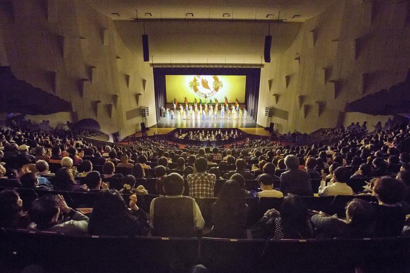 神韻藝術團在台灣的演出場場爆滿,再次蟬聯當地年度票房冠軍。(大紀元資料圖片)