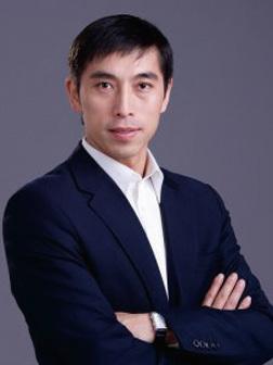 第七屆「全世界中國古典舞大賽」評委、資深中國舞專家陳永佳先生表示大賽評審不僅要看參賽者的技巧、身韻和身法,也注重其動作所刻畫的內涵。(神韻官網)